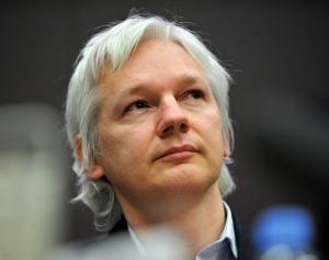 """Pamela Anderson: """"Julian Assange e foarte sexy"""""""
