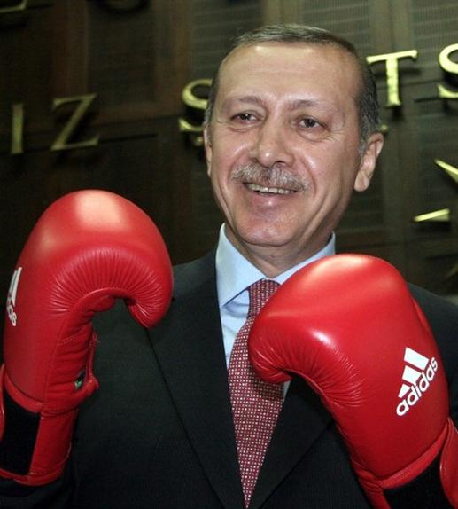 Erdogan ameninta UE ca deschide frotnierele pentru migranti