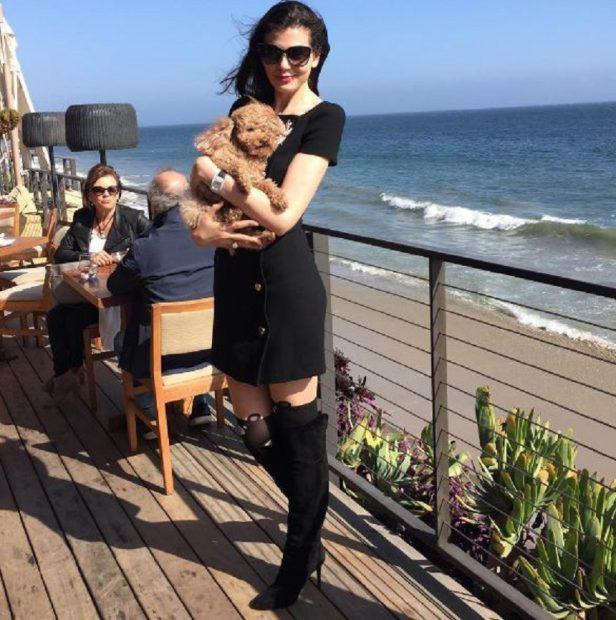 Monica Gabor, sexy pe plaja din Malibu. Toți s-au uitat la ea când au văzut cu s-a îmbrăcat
