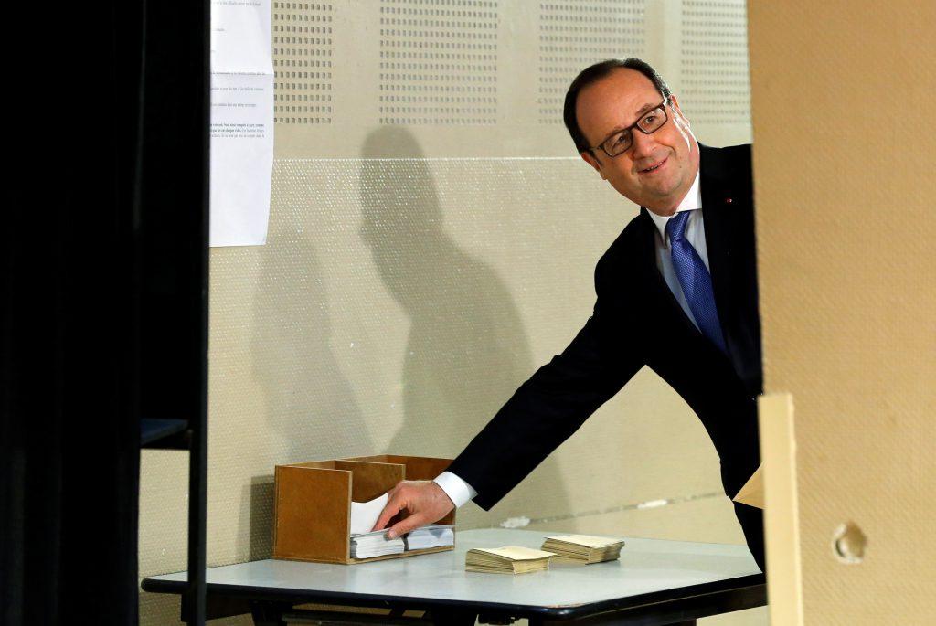 Hollande voteaza