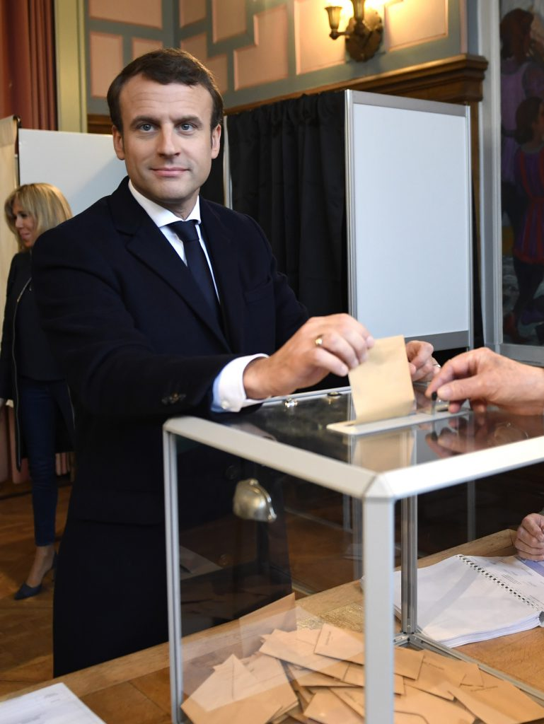 Macron votează
