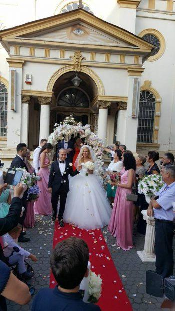 Fostul soț al Lorei s-a căsătorit. Ce rochie de mireasă frumoasă a purtat Mădălina